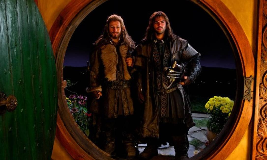Fili (Dean O'Gorman) e Kili (Aidan Turner) - Kili é um dos Anões mais jovens do grupo e está sempre em companhia do irmão, Fili. Os dois são sobrinhos de Thorin. Com boa percepção, normalmente cumprem a função de batedores Reprodução