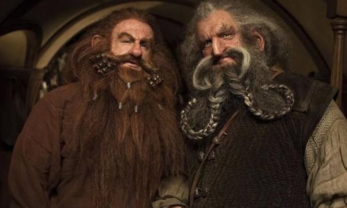 Glóin (Peter Hambleton) e Óin (John Callen) - Mais dois irmãos que se juntaram ao grupo de Thorin. Glóin é pai de Gimli e esteve com o filho na reunião em Valfenda, onde se decidiu o destino do Um Anel, em 'O Senhor dos Anéis - A sociedade do anel' Reprodução