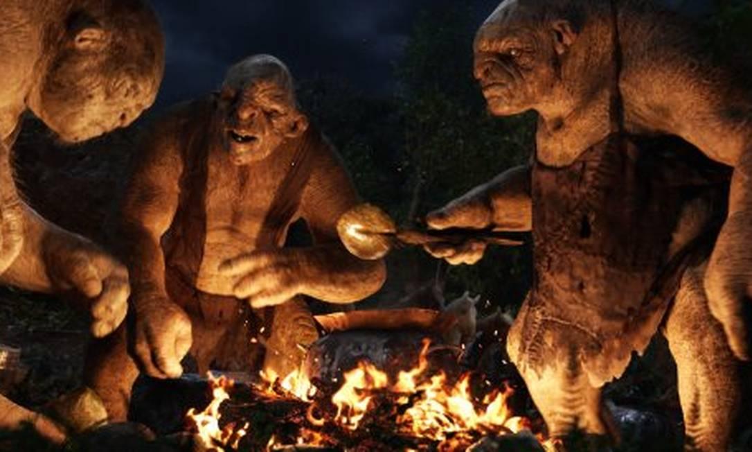 Uma curiosidade: William Kircher, Peter Hambleton e Mark Hadlow, que interpretam os anões Bifur, Glón e Dori, também fizeram as vozes dos trolls Tom, William e Bert Reprodução