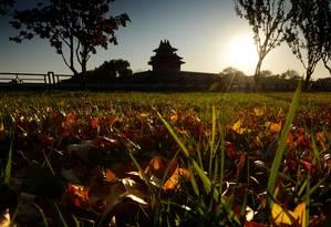 O sol se põe na Cidade Proibida, em Pequim: a Ásia é a grande aposta do turismo em 2013 Foto: Mark Ralston / AFP