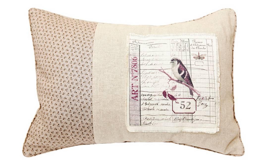 Uma opção mais romântica é esta feita de linho com aplicação de tecido estampado. Preço: R$ 380, na Hips Retrô Divulgação