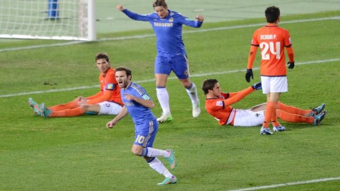 Mata comemora o primeiro gol da vitória do Chelsea Foto: Toru Yamanaka / AFP