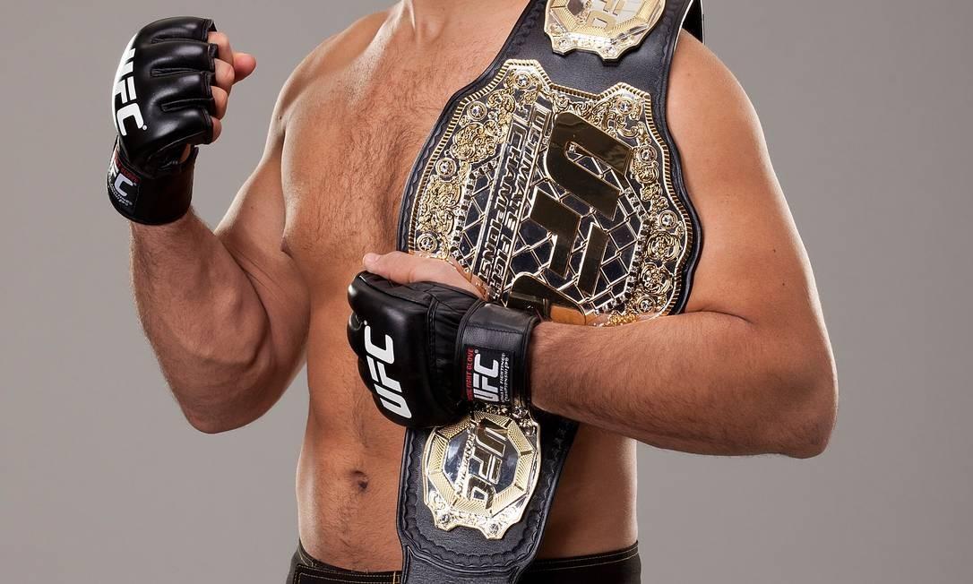 Júnior dos Santos, o Cigano, vai fazer sua segunda defesa do cinturão dos pesos pesados Foto: UFC / Divulgação
