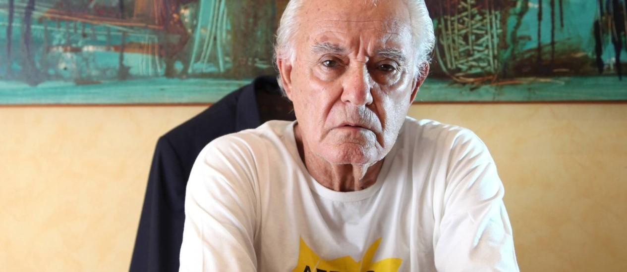 O ex-comandante Zoroastro Filho gasta R$ 400 por mês com remédios, metade do que recebe do Aerus Foto: Fábio Rossi / Agência O GLOBO