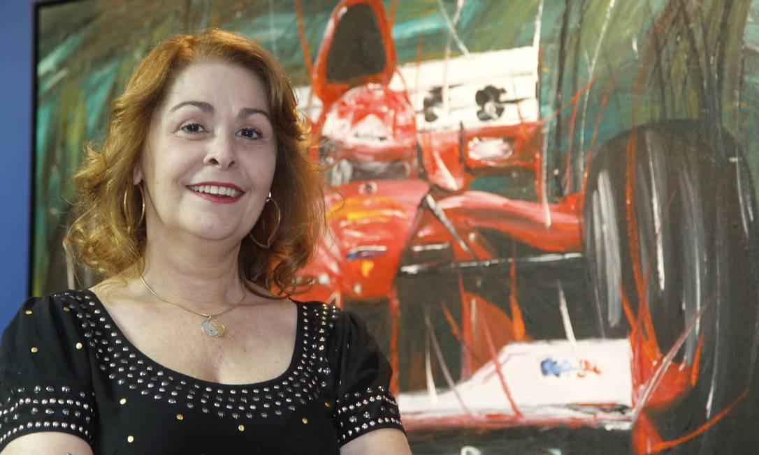 Viviane Eleanora Monteiro na sede da Confederação Brasileira de Automobilismo, no Rio: a advogada carioca vai julgar as manobras polêmicas nas pistas do mundo Foto: Marcelo Carnaval / Agência O Globo