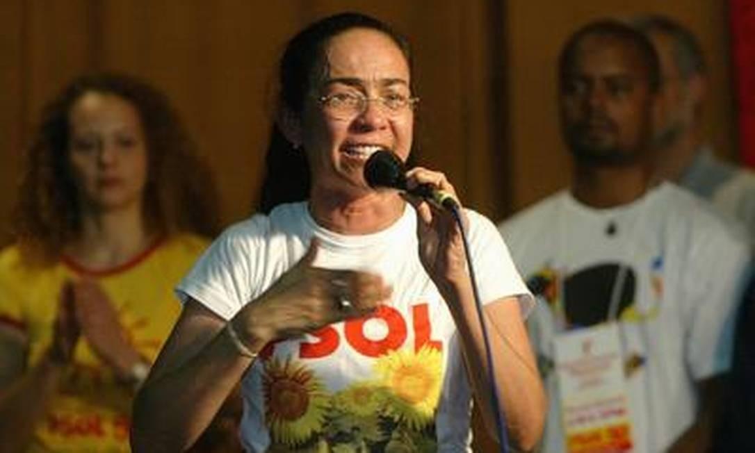 A então senadora Heloísa Helena, candidata do PSOL à presidência da República em 2006 Foto: O Globo / Givaldo Barbosa