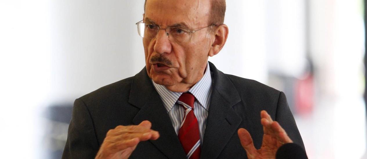 O ministro-chefe da Controladoria-Geral da União (CGU), Jorge Hage Foto: Gustavo Miranda / Agência O Globo