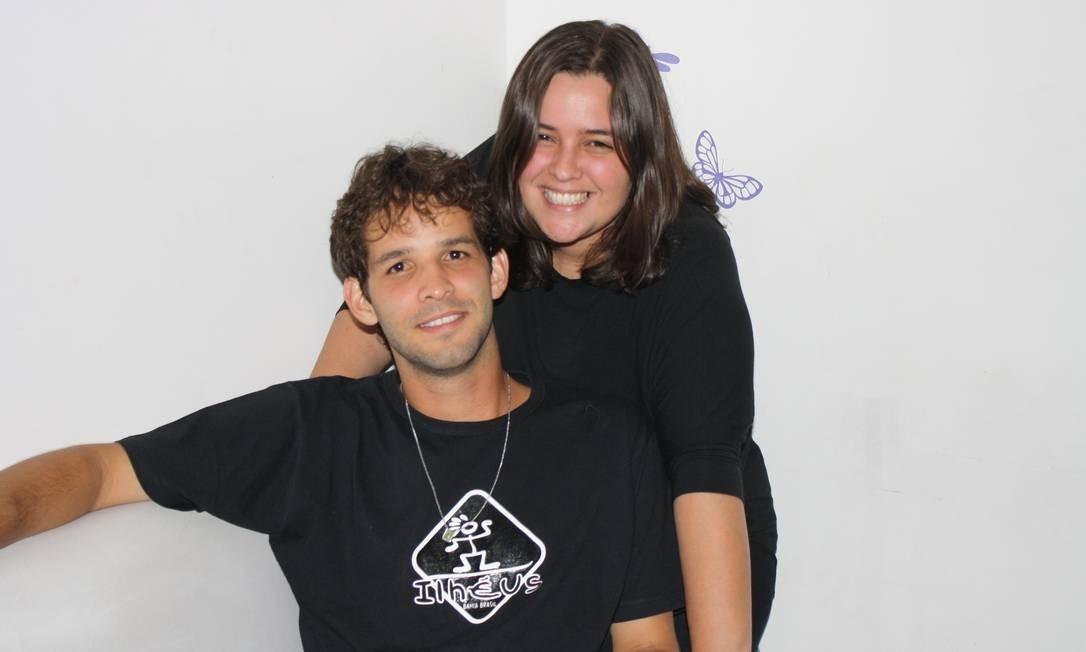 Os irmãos Bruno Morais Braga e Emanuelle, de 27 e 33 anos, estão cursando a segunda graduação Foto: Arquivo pessoal