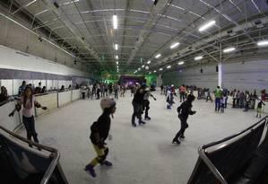 Crianças usam equipamentos de proteção durante patinação: empresas devem zelar pela segurança dos consumidores em qualquwr atividade Foto: Foto: Divulgação