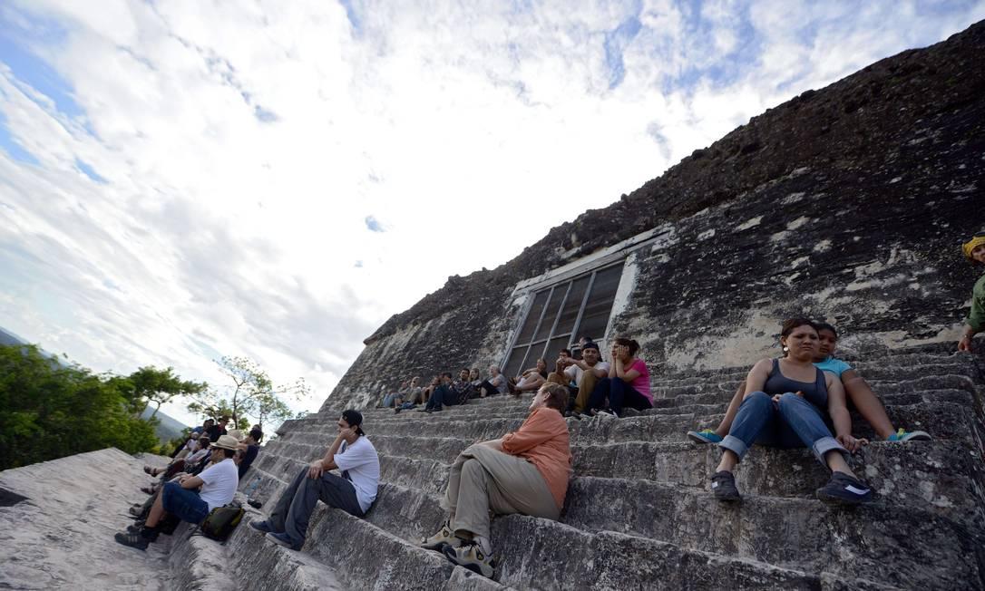 No local, funciona o sítio arqueológico de Él Peten. Turistas já ocupam a área desde, pelo menos, quarta-feira Johan Ordonez / AFP