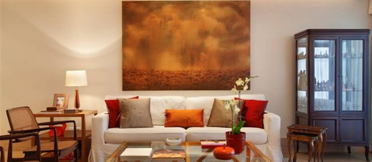 dicas para decorar a sala a partir de um sof branco