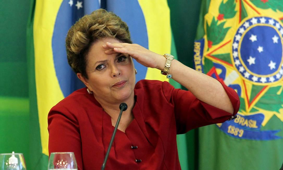 Dilma durante café da manhã com jornalistas, no Palácio do Planalto Foto: Gustavo Miranda / O Globo