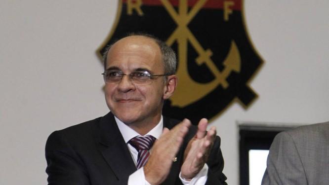 Eduardo Bandeira de Mello tomou posse nesta quinta como presidente do  Flamengo Foto  Marcelo Carnaval 94a55d6d31ef1