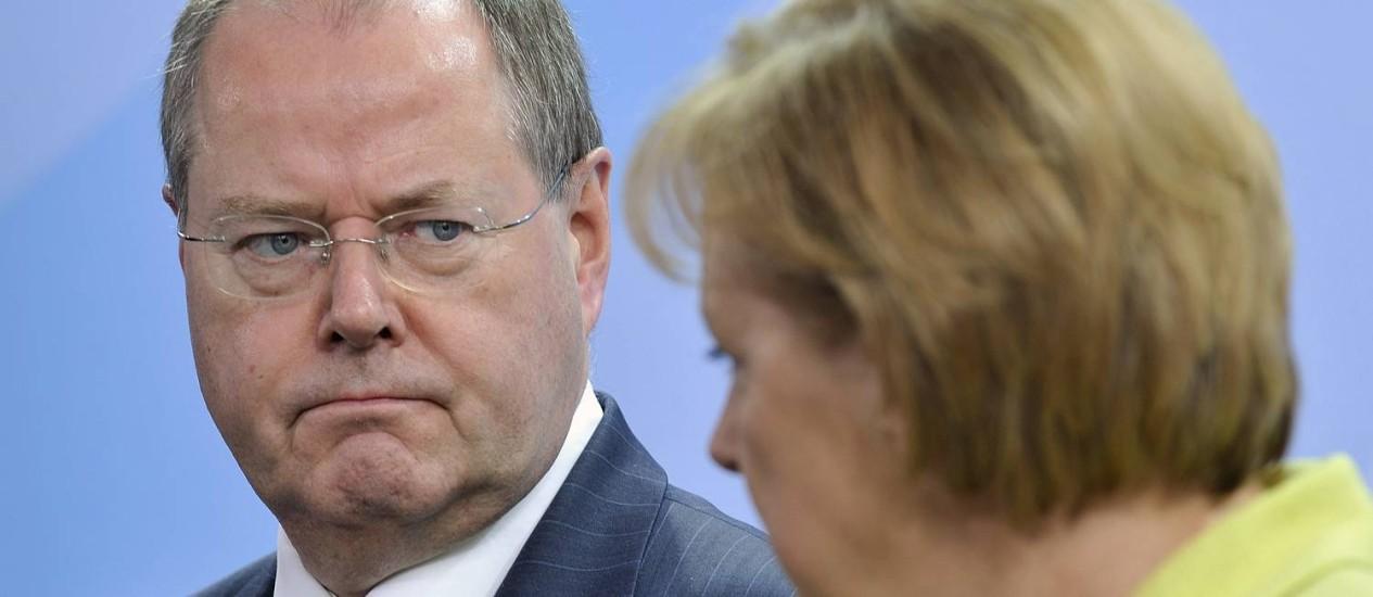 Comentário torna Peer Steinbrück alvo de críticas dos próprios correligionários - Germany-Merkel-Challenger