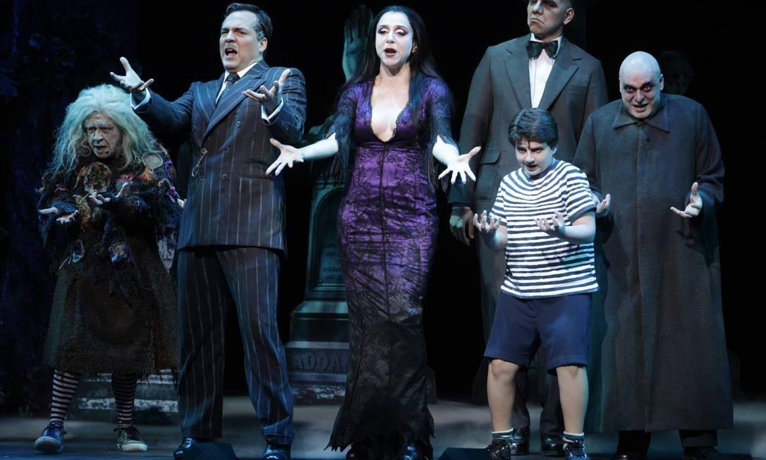 Marisa Orth e Daniel Boaventura vivem Morticia e Gomez Addams no musical 'Família Addams', que estreia no dia 10 de janeiro no Vivo Rio, com versões de Claudio Botelho Marcos Alves / Agência O Globo
