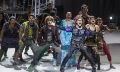 """O espetáculo """"Rock in Rio - O musical"""" reinaugurou a Cidade das Artes Foto: Daniela Dacorso / O Globo"""