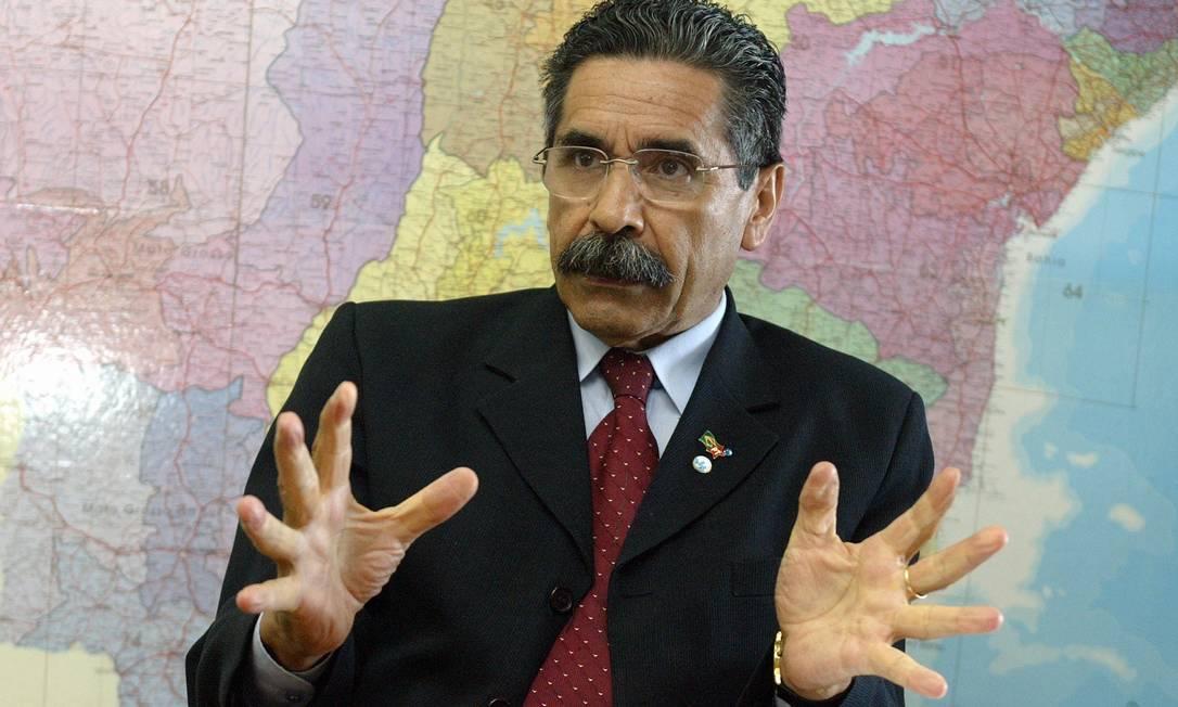 Olívio Dutra, então ministro das Cidades (2004) Foto: Agência O Globo / Roberto Stuckert Filho