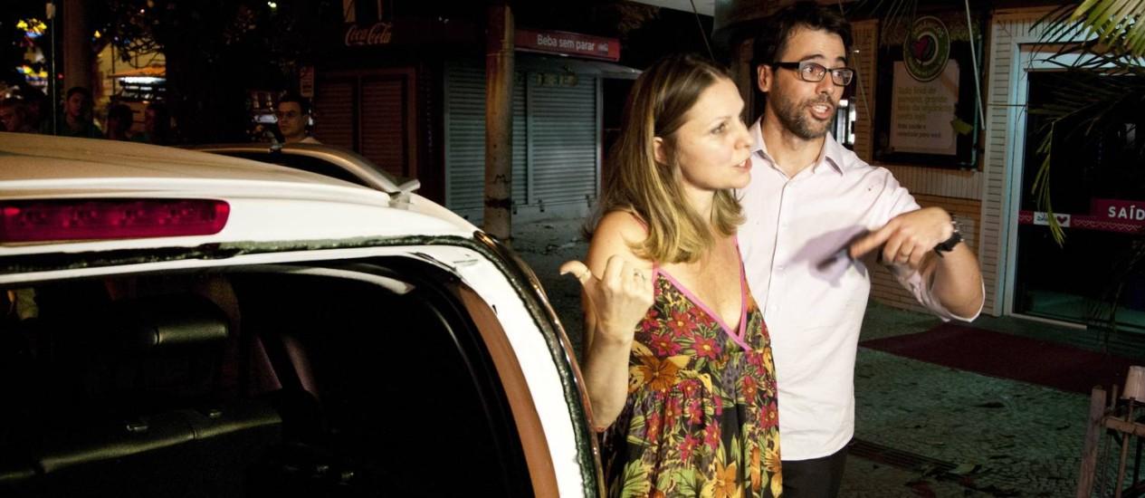 O ator Cláudio Lins e a mulher, a empresária Alexandra Di Calafiori, se envolveram em um acidente na madrugada desta quarta-feira Foto: Fernando Quevedo / O Globo
