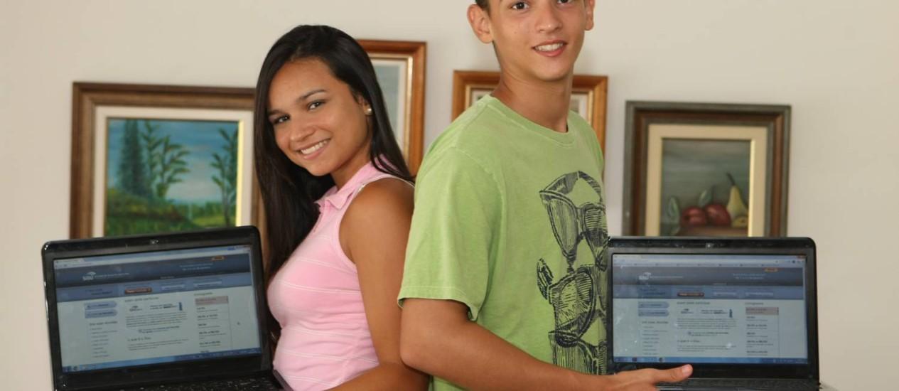 Indecisão. Jeanne e Leonardo trocam de curso com base na nota de corte Foto: Eduardo Naddar