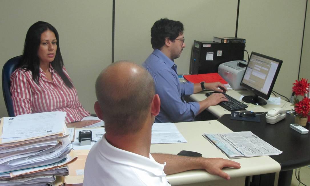 Delegacia. Um dos médicos do Hospital Salgado Filho depõe sobre o caso Foto: Vera Araújo / O Globo
