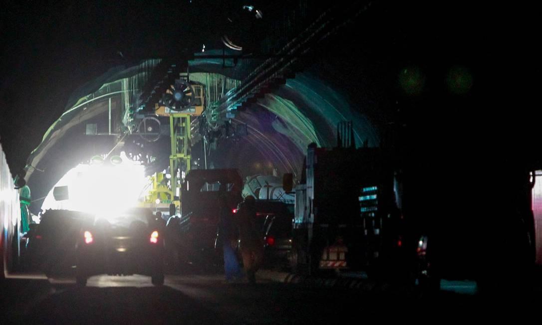 Obra de manutenção do Túnel da Grota Funda Foto: Pedro Kirilos / O Globo