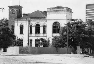 O prédio do antigo Museu do Índio, em 1989, já abandonado Foto: Ricardo Chvaicer - 23.05.1989