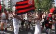 O casal de mestre-sala e porta bandeira da Mangueira, Raphael e Marcella Alves, prestigiaram o bloco