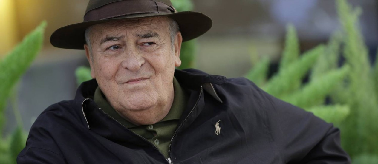 xxSC Rio de Janeiro (RJ) 16/01/2013 Italian film director Bernardo Bertolucci poses during a photo call to promote his film ''Io e Te'', (Me and You), in Rome, Thursday, Oct. 18, 2012. . Foto AP Photo/Andrew Medichini Foto: Terceiro / AP Photo/Andrew Medichini