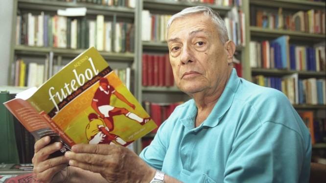 Escritor ficou famoso por livros de História e engajamento político Foto: Foto: Fernando Maia