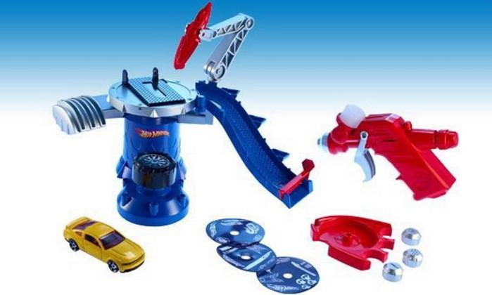 Muitos brinquedos entraram em oferta, após o Natal. Na Ri Happy, Hot Wheels Light Speeders, que chegou a ser vendido por R$129,99, agora sai a R$ 79,99 Divulgação