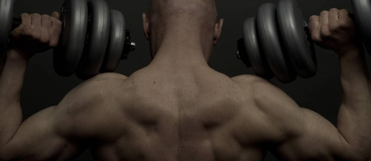 Uso indiscriminado de hormônio da tireoide por frequentadores de academias pode causas até perda de massa muscular Foto: Terceiro / Latinstock