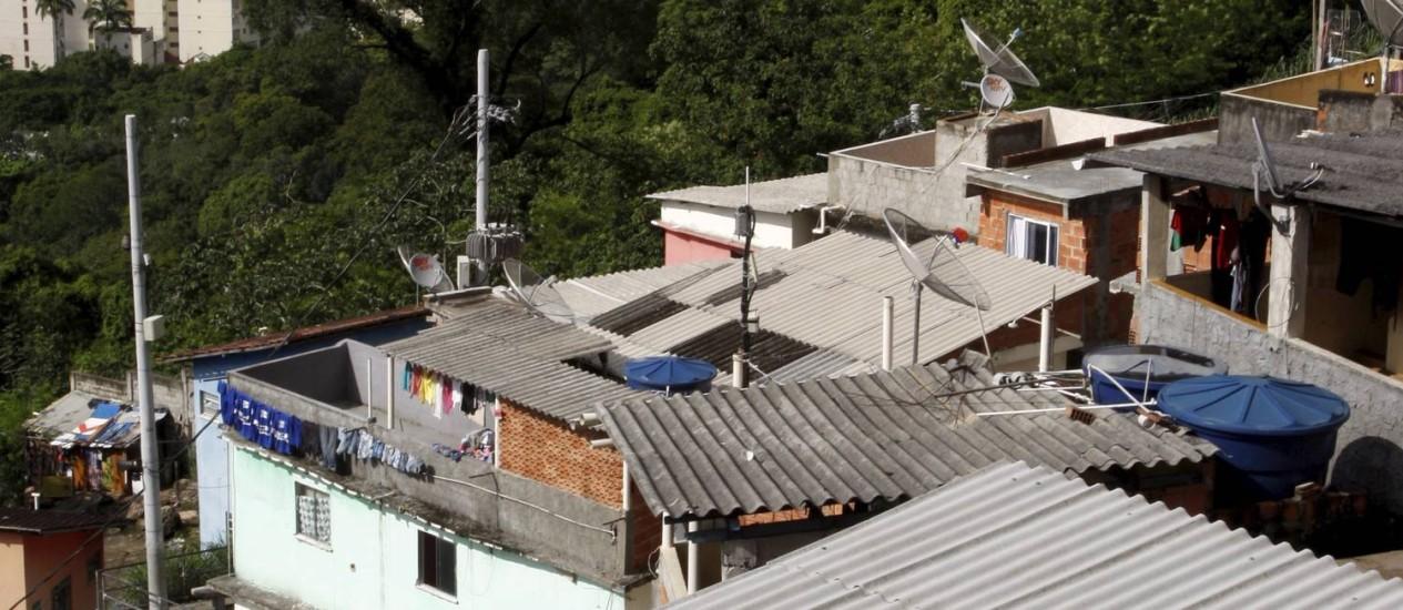 Paisagem. Do alto do Morro Dona Marta, em Botafogo, a visão privilegiada de boa parte da Zona Sul do Rio Foto: Marcos Tristão / Agência O Globo
