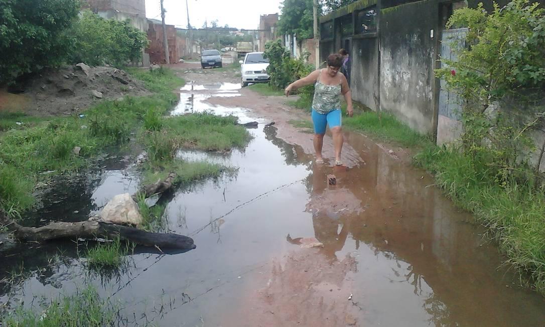 Moradores sofrem com a falta de pavimentação nas ruas do Jardim Maravilha, em Guaratiba, na Zona Oeste do Rio Foto do leitor Fabiano Cardoso dos Santos / Eu-Repórter