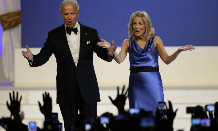 O vice-presidente, Joe Biden, e sua mulher, Jill Biden, também dançaram na cerimônia Paul Sancya / AP