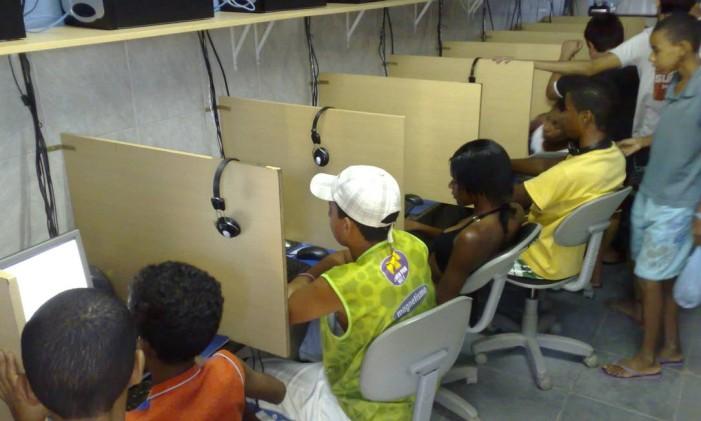 Presença de menores nestes estabelecimentos motivou proposta de deputado Foto: FOTO: Fernando Torres / Agência O Globo