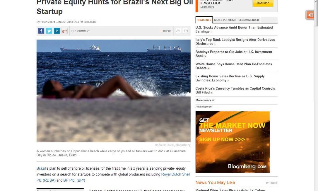 Mulher pega sol na praia tendo, bem ao fundo, os petroleiros Foto: Reprodução da internet / Internet
