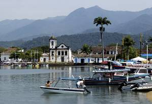 Prefeitura de Paraty suspendeu o Carnamar, evento que levava a folia de barco até a Praia Vermelha Foto: Marcelo Piu - 23.09.2012 / O Globo