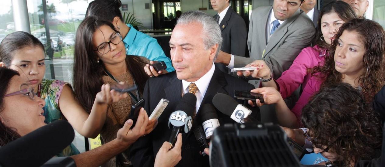 Temer deixa o Senado após encontro com o presidente do Senado, José Sarney Foto: André Coelho / O Globo