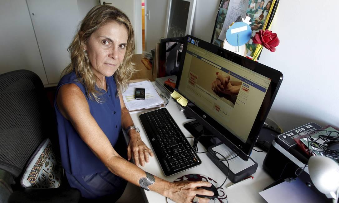 Priscilla Celeste administra comunidade no Facebook feita em protesto após filho ter sofrido discriminação racial em concessionária da Barra Foto: Domingos Peixoto / O Globo
