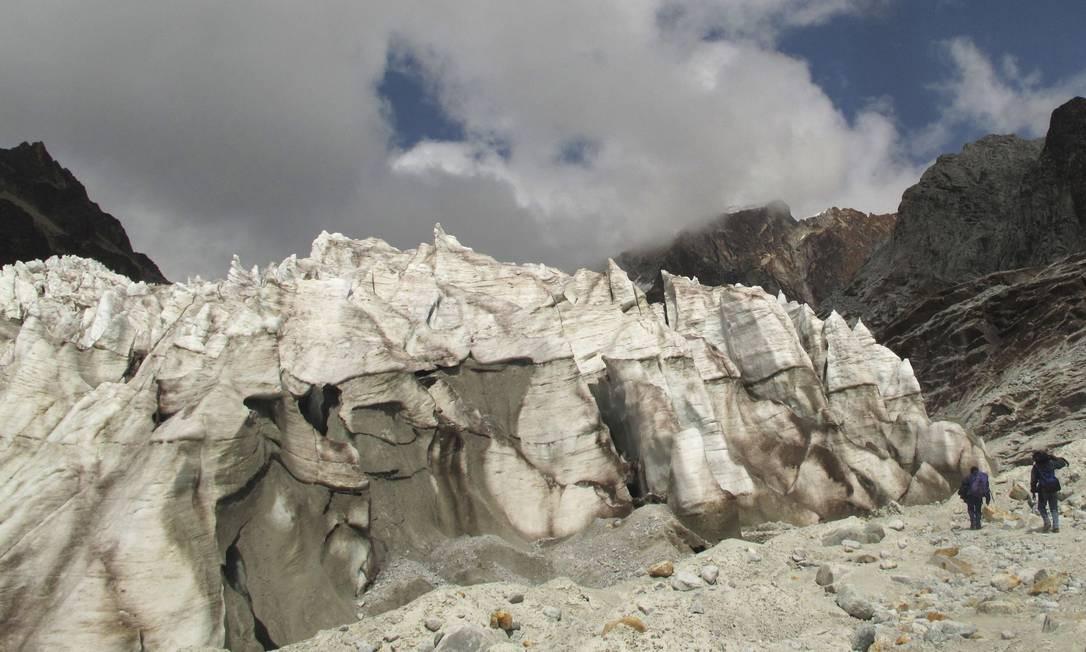 Gelo derretido em 2009 em Huayna Potosi, na Bolívia, a 30 quilômetros de La Paz Foto: STR / REUTERS