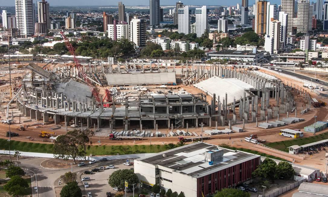 Custando R$ 417 milhões, a Arena Dunas, em Natal, vai comportar 43 mil torcedores Divulgação Portal da Copa