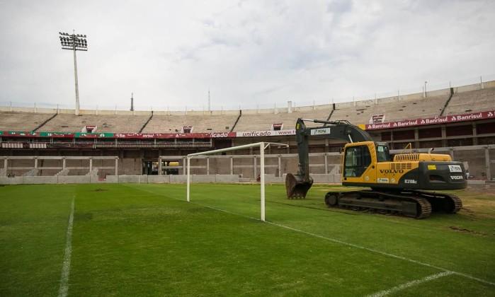O Beira-Rio, estádio do Internacional, tem apenas 55% das obras concluídas e a reforma custou R$ 330 milhões Divulgação Portal da Copa