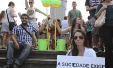 ONG Rio de Paz faz protesto contra corrupção no Senado Foto: Alexandre Cassiano / Agência O Globo