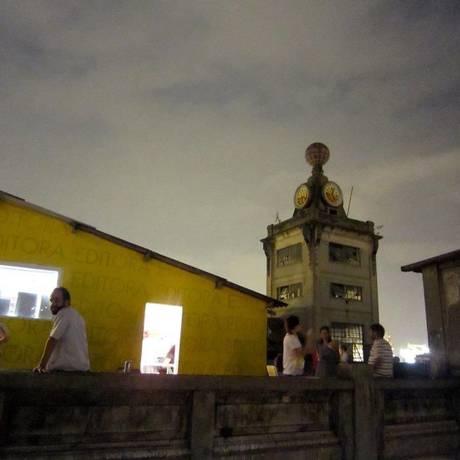 Bolha Open Air projeta filmes em terraço no bairro do Santo Cristo Foto: Divulgação