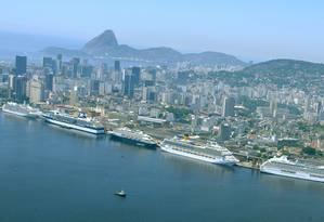 Navios ficam atracados no Pier Mauá Foto: Divulgação