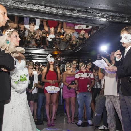 Monise Nunes e Anderson Dias se casam na Boate de Swing 2A2, em Copacabana Foto: Daniela Dacorso