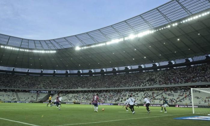 Fortaleza e Sport fizeram o primeiro jogo da Arena Castelão Jarbas Oliveira/Fohapress