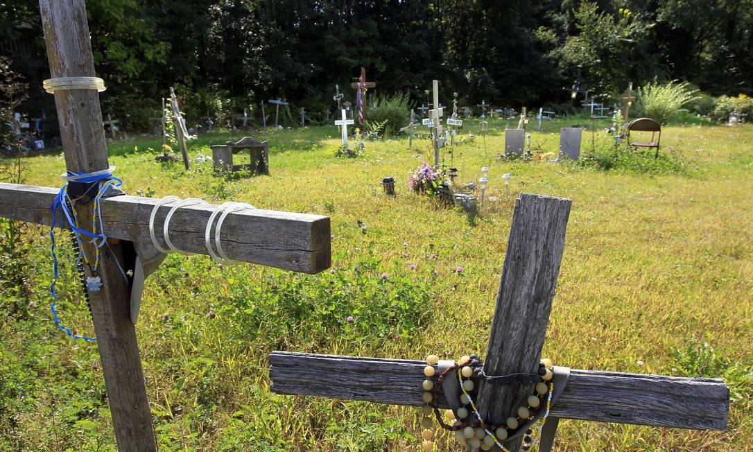 Memorial para as vítimas da tragédia Steven Senne / AP