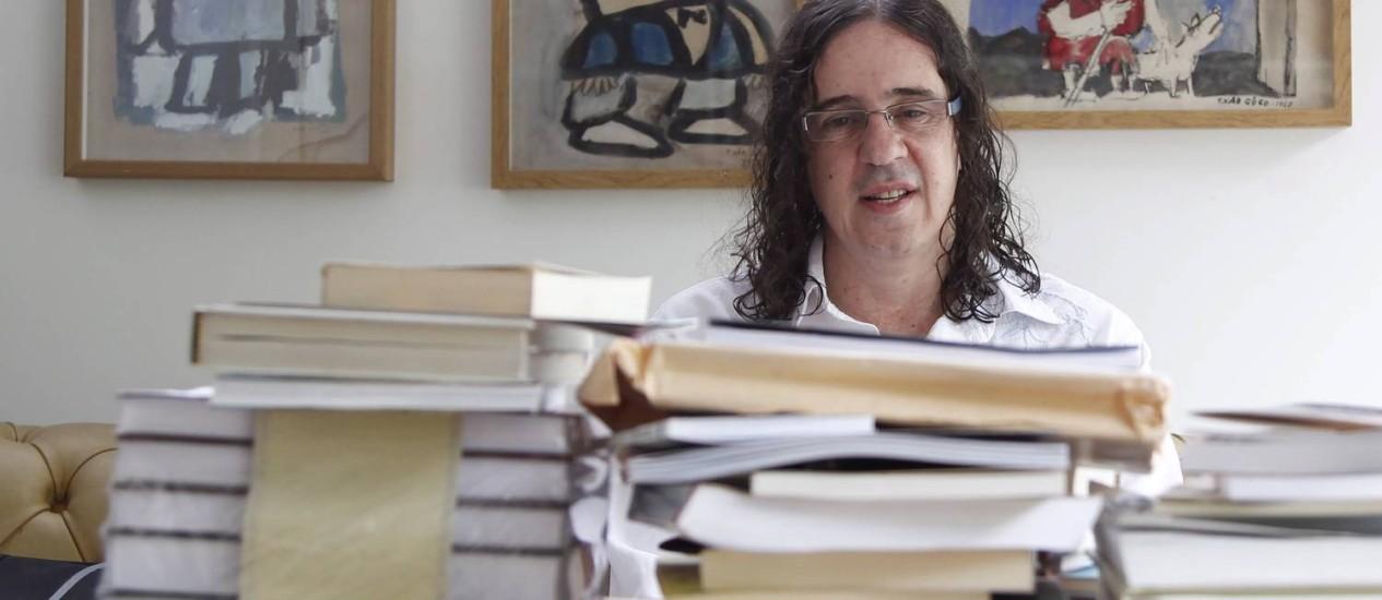 """Geraldo Carneiro reúne poemas, cenas e fragmentos de Shakespeare na coletânea """"O discurso do amor rasgado"""" Foto: Leonardo Aversa"""