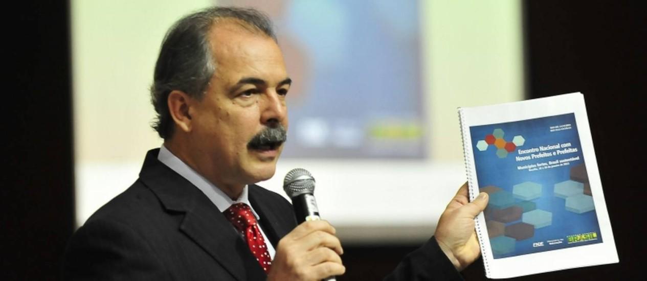 Mercadante fez palestra sobre políticas de educação durante o Encontro Nacional de Novos Prefeitos Foto: Foto: Elza Fiúza / Agência Brasil